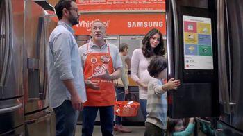 The Home Depot Labor Day Savings TV Spot, 'Más: refrigerador' [Spanish] - Thumbnail 4