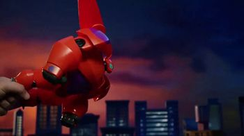 Big Hero 6 Flame-Blast Flying Baymax TV Spot, 'Take Down Evil' - Thumbnail 6