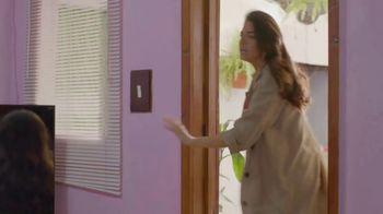 T-Mobile TV Spot, 'Univision: Llama a tía' [Spanish] - Thumbnail 1