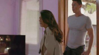 T-Mobile TV Spot, 'Univision: Llama a tía' [Spanish] - Thumbnail 2