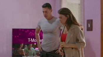 T-Mobile TV Spot, 'Univision: Llama a tía' [Spanish] - Thumbnail 6