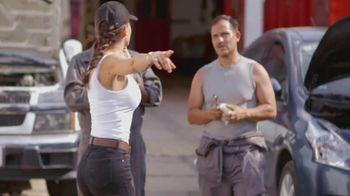 T-Mobile TV Spot, 'Univision: La Piloto: Mechanics' - Thumbnail 4