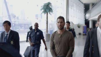 T-Mobile TV Spot, 'Univision: Prisoner Escort Poster' - Thumbnail 1