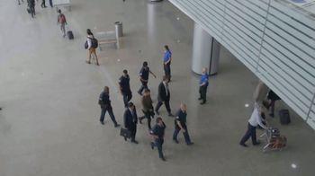T-Mobile TV Spot, 'Univision: Prisoner Escort Poster' - Thumbnail 2