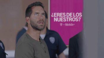T-Mobile TV Spot, 'Univision: Prisoner Escort Poster' - Thumbnail 7