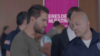 T-Mobile TV Spot, 'Univision: Prisoner Escort Poster' - Thumbnail 9