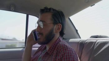T-Mobile TV Spot, 'Univision: la llamada' [Spanish] - Thumbnail 5