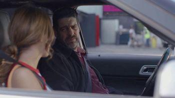 T-Mobile TV Spot, 'Univision: La Piloto: Club' - Thumbnail 5