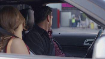 T-Mobile TV Spot, 'Univision: La Piloto: Club' - Thumbnail 7