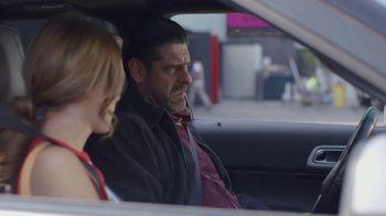 T-Mobile TV Spot, 'Univision: La Piloto: Club' - Thumbnail 8