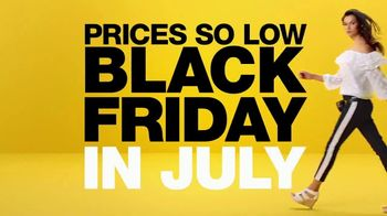 Macy's Black Friday in July TV Spot, 'So Many Deals, So Little Time' - Thumbnail 6