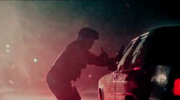 Modelo TV Spot, 'Fighting for Others: Helicopter Crew Chief Eddie Jimenez' - Thumbnail 5