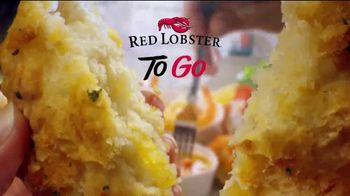 Red Lobster Crabfest TV Spot, 'Roll Up Your Sleeves, Crabfest Is Back!' - Thumbnail 10