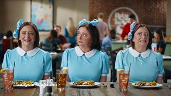 Ruby Tuesday 3-Course Meal TV Spot, 'Triplets' Featuring Rachel Dratch - Thumbnail 7