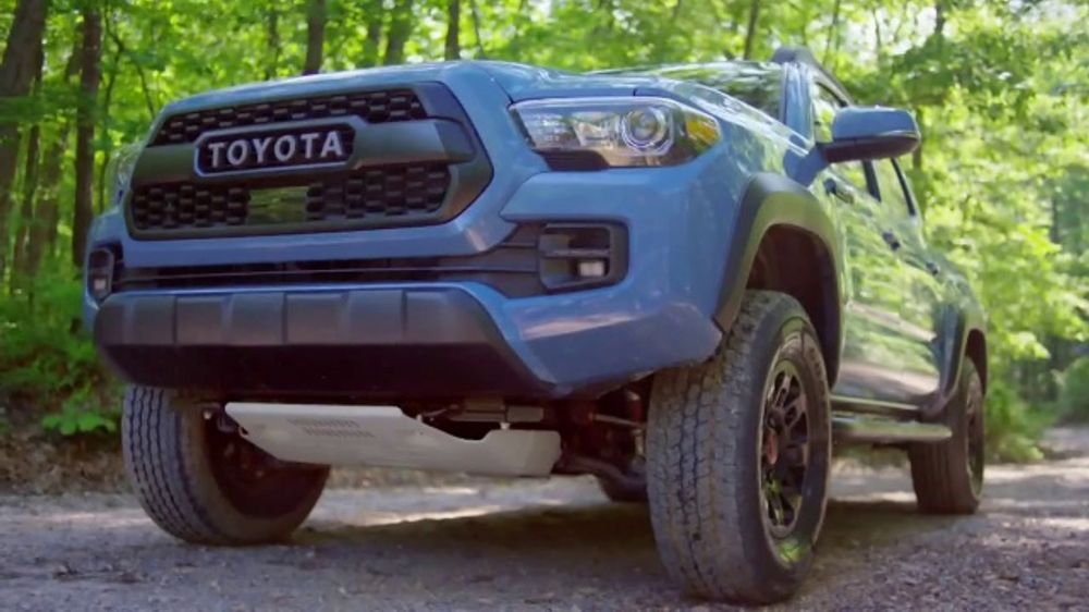 2018 Toyota Tacoma TV Commercial, 'Endless Weekend' Song by Chase Rice [T2]