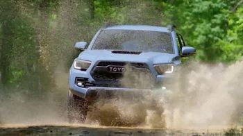 2018 Toyota Tacoma TV Spot, 'Endless Weekend' Song by Chase Rice [T2] - Thumbnail 5