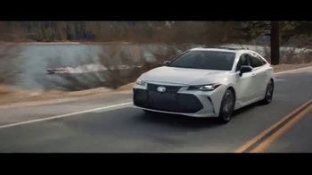 2019 Toyota Avalon TV Spot, 'Let's Race' - Thumbnail 7