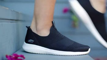 SKECHERS Stretch-Knit TV Spot, 'All Shapes and Sizes' - Thumbnail 10
