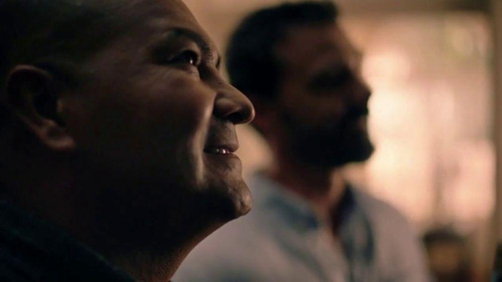Modelo TV Commercial, 'Luchando por los dem??s: Eddie Jimenez'
