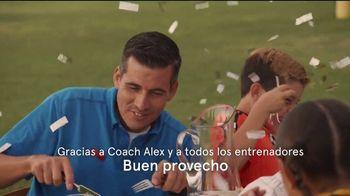 Chick-fil-A TV Spot, 'Buen provecho: gracias al entrenador Alex' [Spanish] - Thumbnail 9