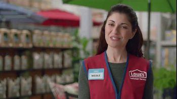 Lowe's 4th of July Savings TV Spot, 'Good Backyard: Trimmer or Blower' - Thumbnail 7