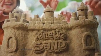 Kinetic Beach Sand Kingdom TV Spot, 'Squeezy Good' - Thumbnail 1