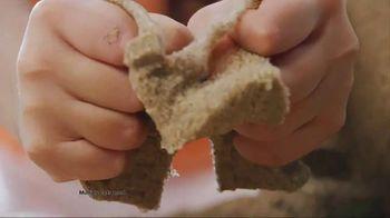 Kinetic Beach Sand Kingdom TV Spot, 'Squeezy Good' - Thumbnail 4