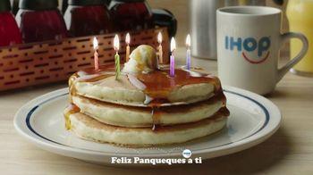 IHOP 60 Cent Short Stacks TV Spot, 'Feliz panqueues' [Spanish] - Thumbnail 3