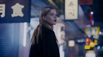 Yves Saint Laurent Black Opium TV Spot, '¿Sientes el llamado?' con Zoë Kravitz [Spanish] - Thumbnail 3