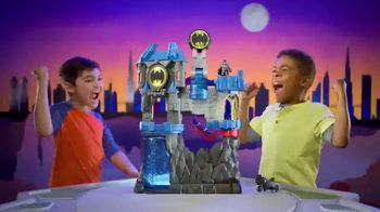 Imaginext Wayne Manor Batcave TV Spot, 'Help Batman Save Wayne Manor From the Joker!' - Thumbnail 8