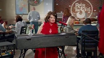 Ruby Tuesday $3 Entrées TV Spot, 'Garden Bar Purchase' Featuring Rachel Dratch