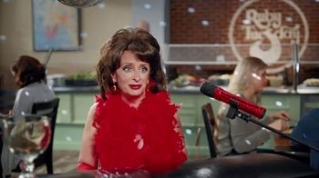 Ruby Tuesday $3 Entrées TV Spot, 'Garden Bar Purchase' Featuring Rachel Dratch - Thumbnail 9