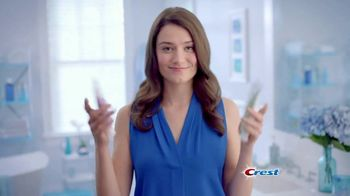 Crest 3D White Whitening Therapy TV Spot, 'Whitens and Protects' - Thumbnail 4
