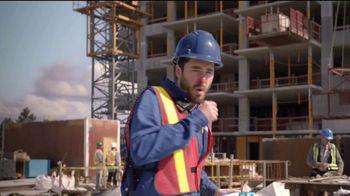 Vicks DayQuil Severe VapoCOOL  TV Spot, 'Coro de construcción' [Spanish] - Thumbnail 1