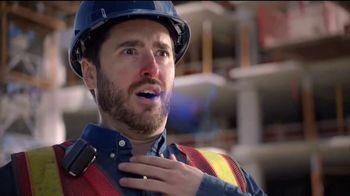 Vicks DayQuil Severe VapoCOOL  TV Spot, 'Coro de construcción' [Spanish] - Thumbnail 4