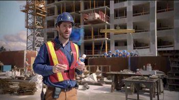 Vicks DayQuil Severe VapoCOOL  TV Spot, 'Coro de construcción' [Spanish] - Thumbnail 5