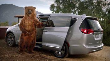 Chrysler Pacifica Hybrid TV Spot, 'Campfire' [T2]