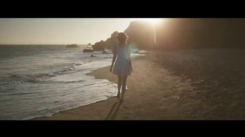 Louis Vuitton Attrape-Rêves TV Spot, 'Les Parfums' Feat. Emma Stone, Song by Beyonce - Thumbnail 1