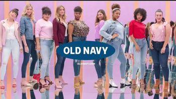 Old Navy Rockstar TV Spot, 'Dile hola a los jeans Rockstar' canción de Janelle Monáe [Spanish] - Thumbnail 10