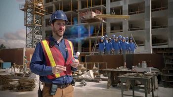 Vicks Dayquil Severe VapoCOOL TV Spot, \'Construction Choir\'