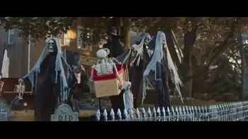 Party City TV Spot, 'Halloween: May the Best House Win' - Thumbnail 2
