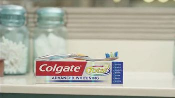 Colgate Total Advanced Whitening TV Spot, 'Ion Television: Healthy Smile' - Thumbnail 9