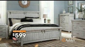 Ashley HomeStore Fall Home Sale TV Spot, 'Cozy Up' - Thumbnail 10