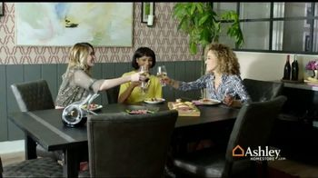 Ashley HomeStore Fall Home Sale TV Spot, 'Cozy Up' - Thumbnail 2