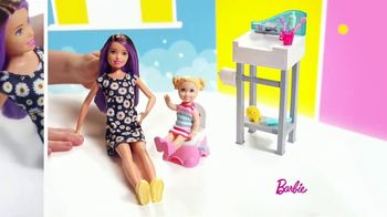Barbie Skipper Babysitter Inc Stroller and Potty Training Playsets TV Spot, 'Stroll to the Park' - Thumbnail 5
