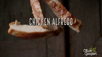 Olive Garden Chicken Alfredo TV Spot, 'Now With 50 Percent More Chicken' - Thumbnail 4