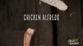 Olive Garden Chicken Alfredo TV Spot, 'Now With 50 Percent More Chicken' - Thumbnail 5
