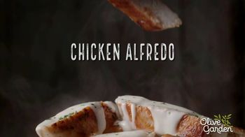 Olive Garden Chicken Alfredo TV Spot, 'Now With 50 Percent More Chicken' - Thumbnail 6