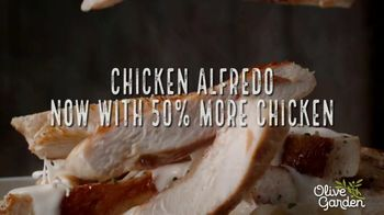 Olive Garden Chicken Alfredo TV Spot, 'Now With 50 Percent More Chicken' - Thumbnail 8
