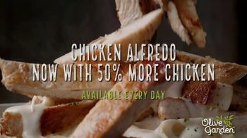 Olive Garden Chicken Alfredo TV Spot, 'Now With 50 Percent More Chicken' - Thumbnail 9